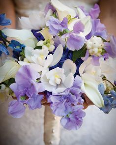 A cloudlike bouquet of soft whites and feathery blues @Four Seasons Rancho Encantado Santa Fe