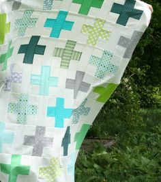 Love this quilt. It is on the Cluck Cluck Sew Blog. The pattern is in the Modern Log Cabin Quilting book. I believe