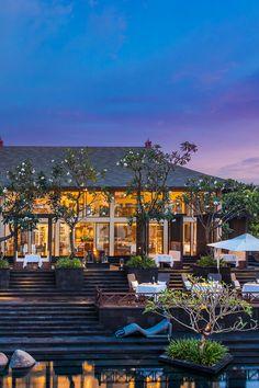 St Reis Bali resort exterior