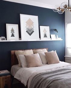 Top 6 Dunn Edwards Paint Colors for 2018 Dunn Edwards Slate Wall Navy Blue Accent Wall Paint Color Scheme for the master bedroom Blue Accent Walls, Accent Wall Bedroom, Accent Colors, Bedroom Wall Art Above Bed, Dado Rail Bedroom, Blue Feature Wall Bedroom, Bedroom Wall Shelves, Shelf Above Bed, Wall Shelving