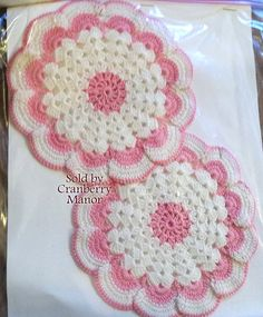 2 Hand Crocheted Doily Pot Holder Linens, Pink & White Scalloped Ruffled Doilies, Vintage 1980s Kitchen Home Decor Accessories Set L271