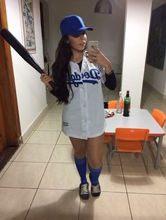 Collection of Baseball tips and ideas Baseball Costume Womens, Baseball Halloween Costume, Belle Halloween, Baseball Costumes, Scary Halloween Costumes, Halloween Outfits, Baseball Jersey Outfit, Costumes For Teens, Halloween Disfraces
