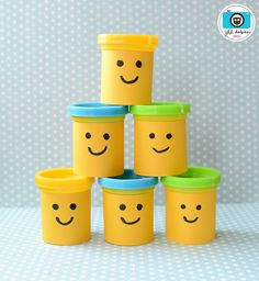 Remove the label from Playdoh, and draw Lego faces on each one! Lego Themed Party, Lego Birthday Party, 6th Birthday Parties, Birthday Ideas, Lego Party Favors, Lego Parties, Party Bags, Ninjago Party, Lego Friends