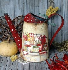 jarra pintar polka dot pitcher watering can Decoupage Vintage, Decoupage Art, Tole Painting, Painting On Wood, Deco Floral, Country Paintings, Milk Cans, Country Crafts, Mason Jar Crafts