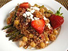 Roasted Strawberry and Asparagus Quinoa Salad by closetcooking #Strawberry #Quinoa #Asparagus #closetcooking