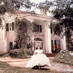 """Tara Dillard: It must be true, """"We keep the first ideas we impressed with."""" Scarlett wasn't the only beauty in Gone With the Wind. Tara Plantation is so pretty that many people have tried to replicate the very exact home from the classic film. Scarlett O'hara, Old Movies, Great Movies, Amazing Movies, Epic Movie, Film Mythique, Southern Plantations, Antebellum Homes, Tomorrow Is Another Day"""