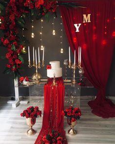 Desi Wedding Decor, Luxury Wedding Decor, Wedding Stage Decorations, Wedding Ceremony Backdrop, Red Wedding, Balloon Decorations, Wedding Centerpieces, Wedding Table, Wedding Colors