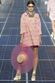 Chanel Spring/Summer 2013- The hat! Yes, please!