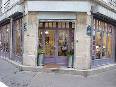 la boutique des Brodeuses Parisiennes se situe au 1 rue François de Neufchâteau, 75011 Paris