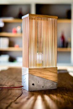 Top 100 Lâmpadas de mesa criativas e intrigantes para interiores modernos Table Beton, Concrete Table, Table Lamp Wood, Concrete Wood, Concrete Design, Wooden Lamp, Wooden Diy, Wood Design, Desk Lamp