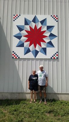 Image may contain: 1 person standing and outdoor Barn Quilt Designs, Barn Quilt Patterns, Quilting Designs, Star Quilts, Quilt Blocks, Wal Art, Painted Barn Quilts, Farm Quilt, Barn Wood Projects