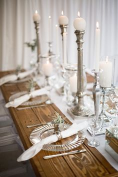 This #crystal #silver #elegance theme is #timeless. Thanks to #konfetti_love #nicolesmacaroons #littishphotography #candle_lite_sa #silverstarfunction for this beautiful shoot showcasing our exclusive #wood #tables #flowerarch #hangingcakestand