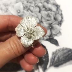 Excited to share this item from my #etsy shop: Hydrangea Nature ring, botanical Big Flower ring Sterling silver, unusual ring Open Forest ring Hydrangea, Art Nouveau, Chunky Silver Rings, Unusual Rings, Cute Jewelry, Flower Jewelry, Sterling Silver Flowers, Flower Pendant, Real Flowers