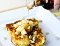Want to get your ohana involved in the kitchen? This King's Hawaiian French toast recipe by is perfect for your keiki to participate in. Bonus: It's so delicious, your kids will want to make it with you again! Breakfast And Brunch, Breakfast Dishes, Breakfast Recipes, Paleo Diet Food List, Luau Food, Pancakes And Waffles, Different Recipes, Quiche, Food And Drink