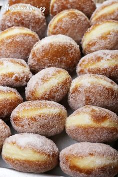 Koblihy obalené v cukru Beignets, Natural Health, Cooking Tips, Sweet Tooth, Food And Drink, Bread, Healthy Recipes, Cookies, Home Made Cupcakes