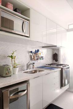 home decor apartment decor French Home Decor, Fall Home Decor, Cheap Home Decor, Kitchen Dining, Kitchen Decor, Kitchen Small, Cuisines Diy, Eclectic Decor, Minimalist Decor