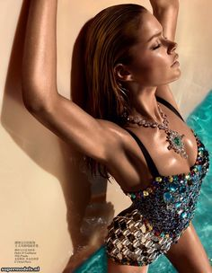 Doutzen Kroes in 'A Bigger Splash' - Photographed by Solve Sundsbo (Vogue China June 2012)    Complete shoot after the click...