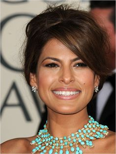 Get Eva Mendes' Updo Hairstyle - Eva Mendes is among the hottest Hollywood celebrities, who wouldn't want to be like her? Find out how to create hot Latina Eva Mendes' updo hairstyle. Bridal Makeup, Wedding Makeup, Hair Wedding, Eva Mendes Hair, Short Hair Cuts, Short Hair Styles, Wedding Hairstyles, Cool Hairstyles, Hair Evolution