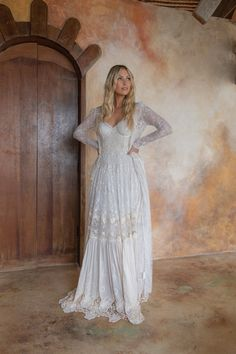 Romantic bohemian style wedding dresses by Spell Designs Bohemian Style Wedding Dresses, Bohemian Look, Boho Wedding, Wedding Ideas, Bohemian Hairstyles, Wedding Hairstyles, Spell Designs, Vintage Outfits, Vintage Clothing