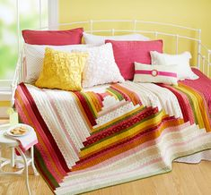 Log In, Log Out by designer Kehres Alexander. Fabrics are from the Floral Gatherings and Floral Shirtings collections by Primitive Gatherings for CROCHET IT Log Cabin Quilt Pattern, Log Cabin Quilts, Log Cabins, Rustic Cabins, Strip Quilts, Quilt Blocks, Scrappy Quilts, Easy Quilts, Quilt Patterns Free