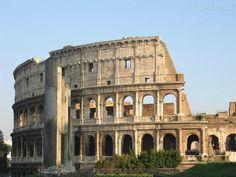 Coliseo Romano desde Las ruinas de del foro romano