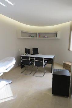 Reforma feita em escritório dermatológico pela Construtora Addy Magalhães
