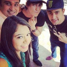 Its time to take sm selfie wd d new huy zain imam..... kaisi yeh yaariyan