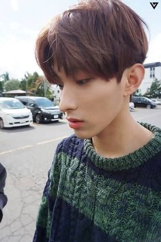 I'm so jealous of hos beautiful nose , is that weird >< Seventeen Lee Seokmin, Seventeen Wonwoo, Seventeen Album, Seventeen Jun, Woozi, Jeonghan, Vernon Chwe, Choi Hansol, Won Woo