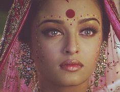 Aishwarya Rai Pictures, Middle Eastern Makeup, Tom Cruise, Rhinestone Necklace, Halloween Face Makeup, Pretty, Beauty, Instagram, Women