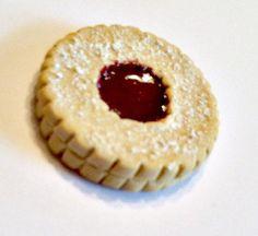 Linzer Tart Cookie Magnet, Polymer Clay Magnet, Food Decor