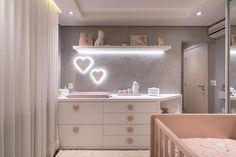 Baby Girl Nursery Themes, Baby Nursery Neutral, Nursery Room Decor, Baby Closet Organization, Foto Baby, Baby Room Design, Baby Bedroom, Baby Decor, Girl Room
