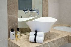 Bespoke Basin in Master En-suite | JHR Interiors