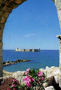 Castle by the Sea Mersin, Turkey....been here many times...this picture doesn't even do it justice!