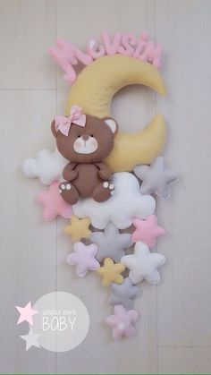 1 million+ Stunning Free Images to Use Anywhere Baby Crafts, Diy And Crafts, Crafts For Kids, Felt Garland, Felt Ornaments, Felt Crafts Patterns, Baby Mobile, Felt Baby, Felt Decorations