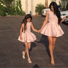 Mother Daughter Fashion goals cute or not ? Mother Daughter Fashion, Mother Daughter Matching Outfits, Mommy And Me Outfits, Family Outfits, Girl Outfits, Fashion Outfits, Fashion Trends, Latest Dress Trends, Simple Homecoming Dresses