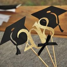 Black and Gold Centerpiece for Graduation Party. Single 2020 Stick and 2 Single Graduation Cap Sticks). Graduation Party Centerpieces, Graduation Party Decor, Graduation Celebration, Grad Parties, Graduation Gifts, Graduation Ideas, Graduation Open Houses, High School Graduation, Black And Gold Centerpieces