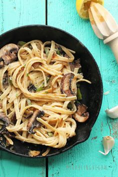 Healthy Vegan Fettuccine Alfredo: Creamy and decadent, this vegan Fettuccine Alfredo has a secret healthy ingredient that makes it a meal the whole family will love. Veggie Recipes, Whole Food Recipes, Vegetarian Recipes, Cooking Recipes, Healthy Recipes, Apple Recipes, Asian Recipes, Cooking Tips, Dinner Recipes