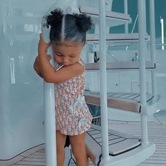 Trajes Kylie Jenner, Look Kylie Jenner, Kylie Jenner Outfits, Cute Little Girls Outfits, Cute Comfy Outfits, Kids Outfits Girls, Cute Mixed Babies, Cute Babies, Jenner Kids