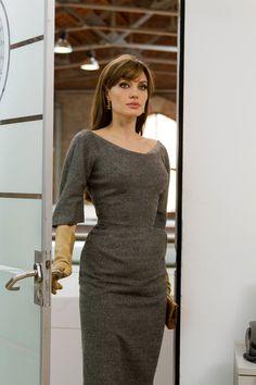 "Amei os modelos de vestido que Angelina Jolie usou no filme ""O Turista"". So falta ter o ""corpitcho"" dela, ne? haha"