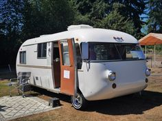 Taken at the Orphaned and Discontinued car show at Country Village Vintage Motorhome, Vintage Rv, Vintage Caravans, Vintage Travel Trailers, Bus Motorhome, Vintage Campers, Vintage Space, Tiny Camper, Camper Caravan