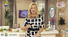 #Repost @showtv with @repostapp  #ZahideYetişle Show TV'de başladı! Styling @ozanozlem  Makyaj @gulaksooy  Kıyafet Polin Ayakkabı @jabottershoes  Aksesuarlar @byselinecer by ozanozlem