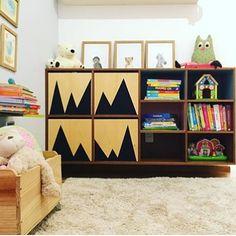"""24 curtidas, 1 comentários - OrganizAÇÃO (@organizacao.acao) no Instagram: """"Brinquedos dos pequenos organizados na mercenaria! Um encanto! Lindo projeto da…"""" Decor, Furniture, Shelves, Cabinet, Shelving Unit, Home Decor, Storage, Shelving"""