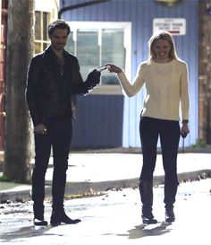 Colin O'Donoghue and Jennifer Morrison filming 4x22 in Steveston, BC