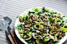 Low-carb zucchini and walnut salad