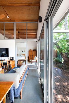 Sussex Street House: Stahl und Holz-Framed Modern Suburban Home 1 Modern House Design, Modern Interior Design, Contemporary Architecture, Interior Architecture, Plywood Interior, Long House, Street House, Japanese House, Big Houses