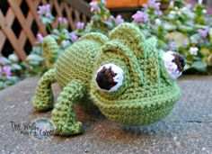 Pascal the Chameleon PDF Pattern. I love this pattern. :D I made one of these and it was adorable.