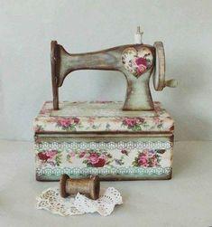 Varrógépek vintage ruhában | PaGi Decoplage