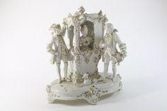 Porzellan Figurine Rokokogesellschaft mit Hund Handarbeit Royal Dux 20.Jh