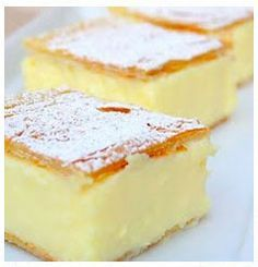 Magic Custard Cake Vanilla Slice - like a vanilla custard pie bar. (Reminds me of a Rum Cake that a local bakery once made. Yellow cake on the bottom {soaked with rum simple syrup}, a layer of custard and filo pastry top. Dessert Bars, Dessert Recipes, Recipes Dinner, Breakfast Recipes, Magic Custard Cake, Brownie Desserts, Food Cakes, How Sweet Eats, Sweet Recipes