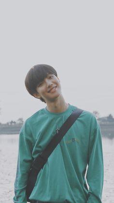 Cre : on pic Sweet Boyfriend, Boyfriend Pictures, Youngmin Boyfriend, Im Youngmin, Cute Alpaca, Set Me Free, Korean Group, Kpop Boy, Handsome Boys
